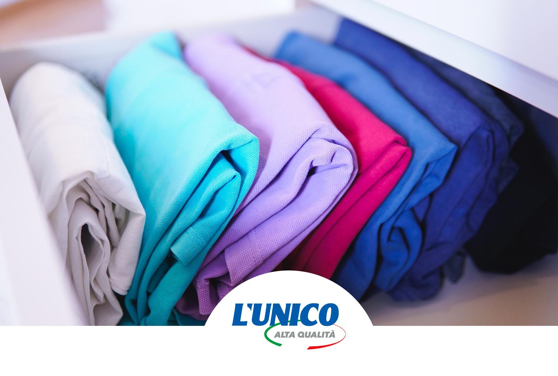 Lavare i vestiti appena comprati: assorbi colore a altri consigli